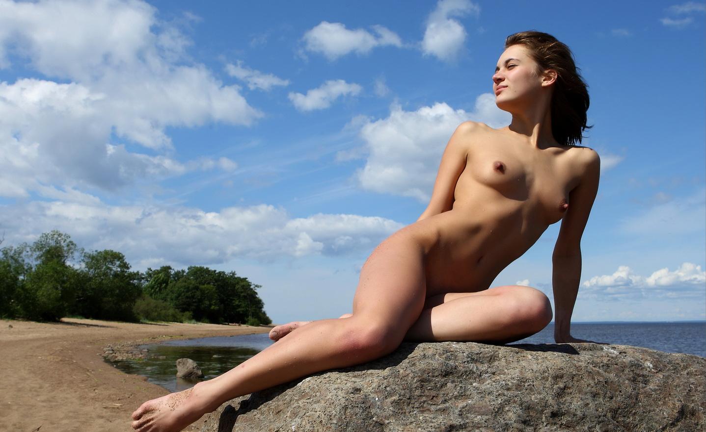голые стройные девки фото