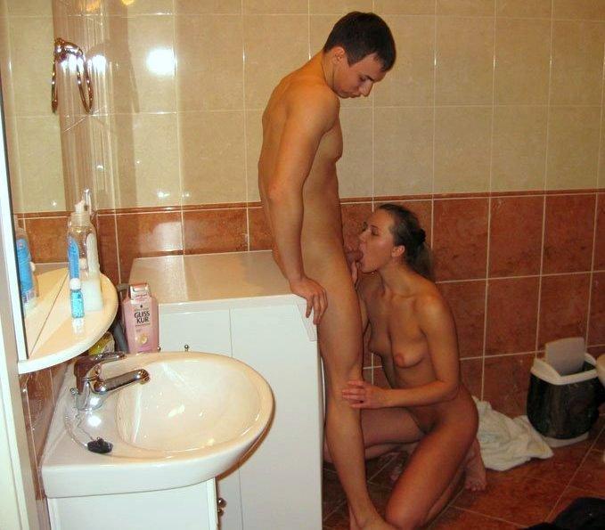 жена с мужем в ванной частное интим фото картину, старенький