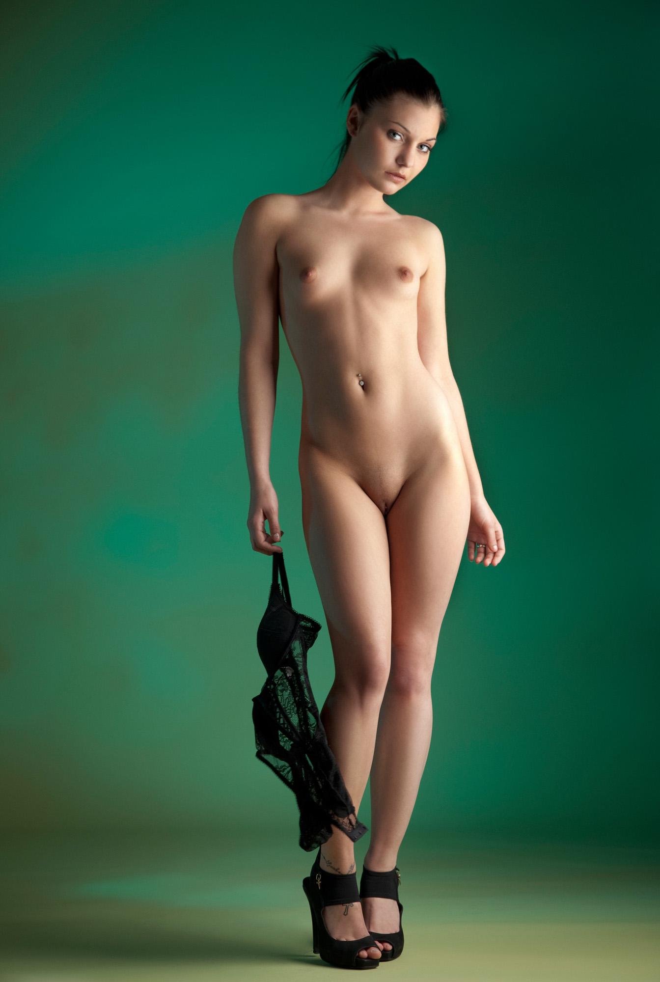 голые фото во весь рост эротических женщин